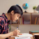 estudiante trabajando